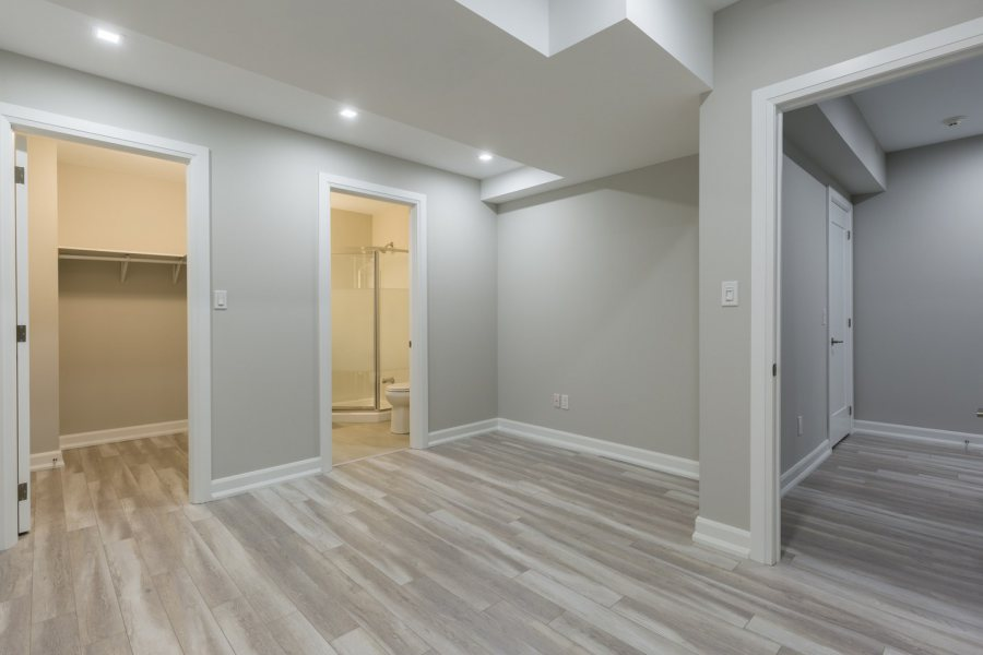 Beautiful empty room after repair